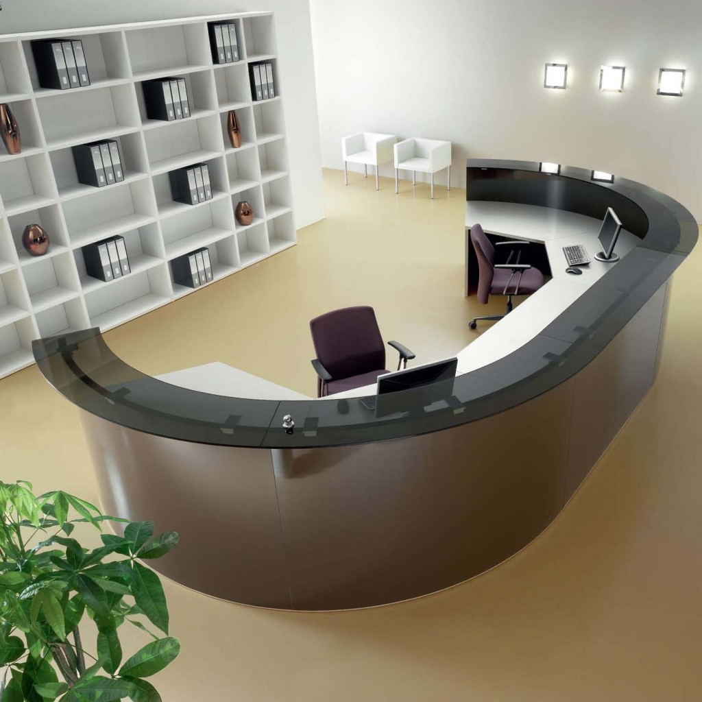 Arredi di design per uffici e sale meeting iotatau s r l for Arredo reception