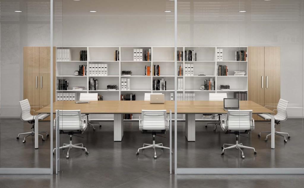 Sala riunione con arredi di design