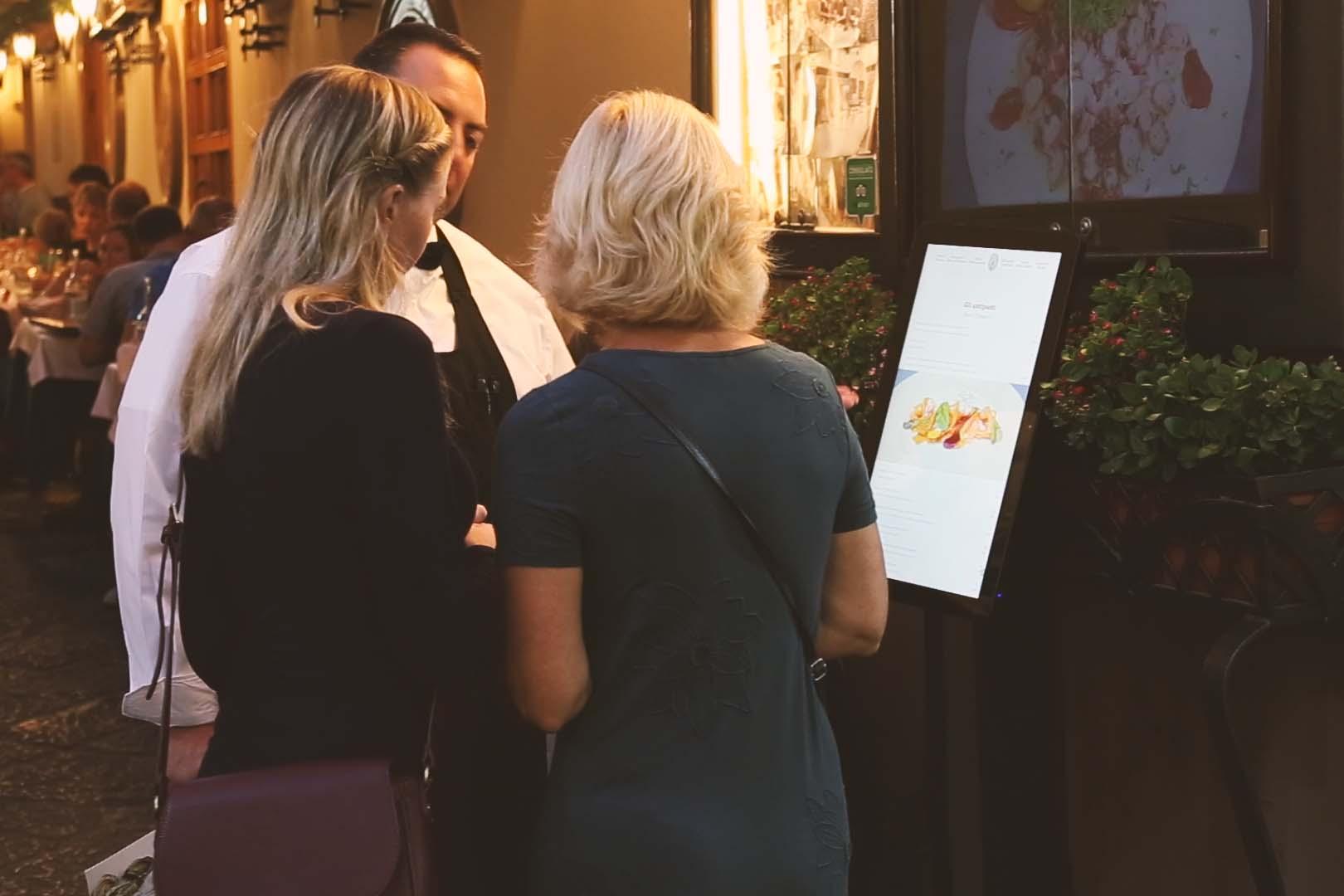 Tablet con menu digitale per ristoranti RistoPixel